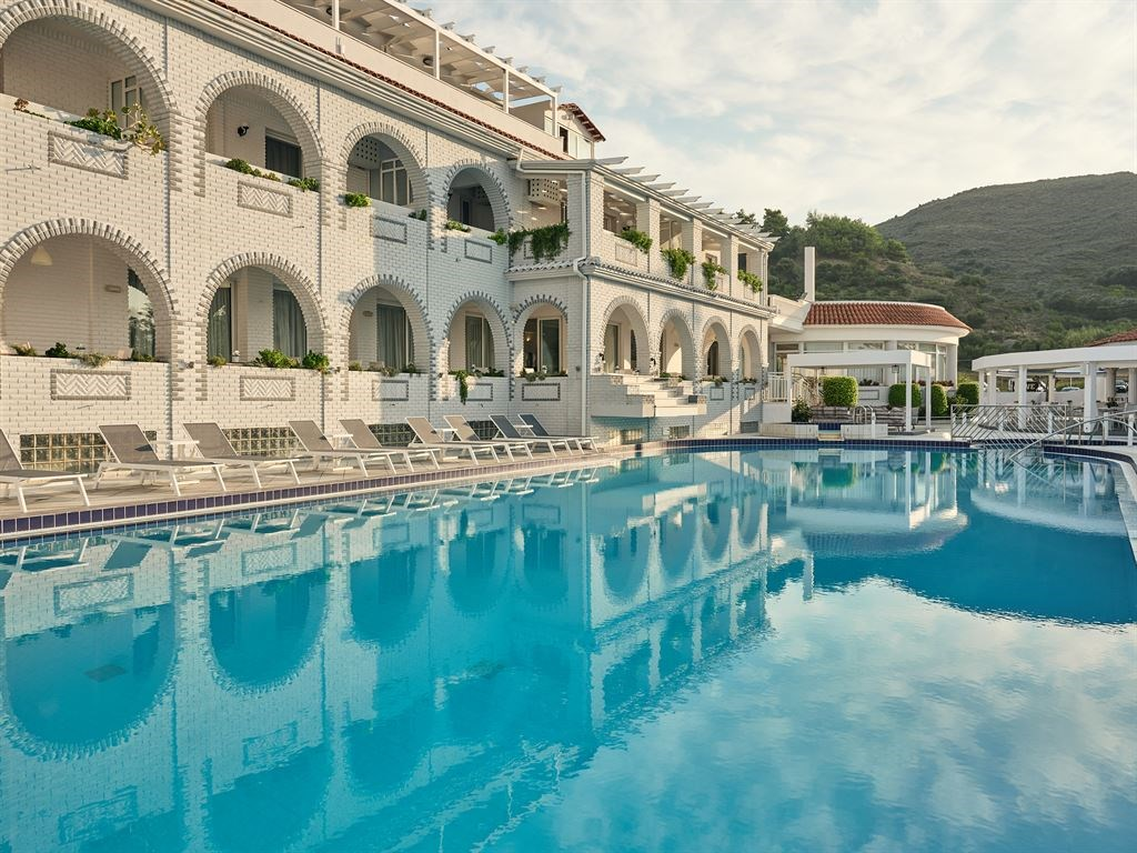 Meandros Hotel Apartments 4*
