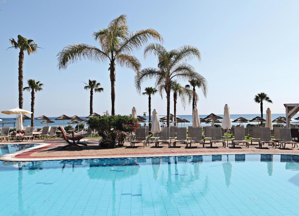 Marlita Beach Hotel Apartments 4*
